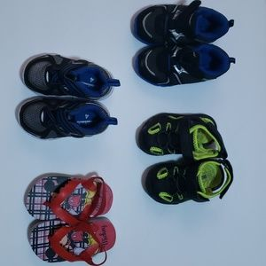 4 pairs size 5 baby shoes